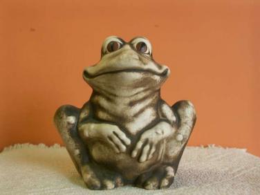 Keramická žába Pohoda sedící