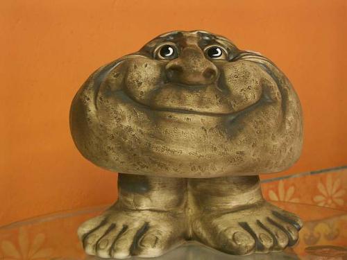Kámen velký nohy úsměv S16