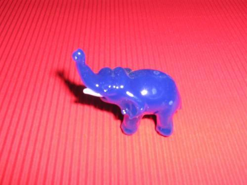 Skleněný slon M