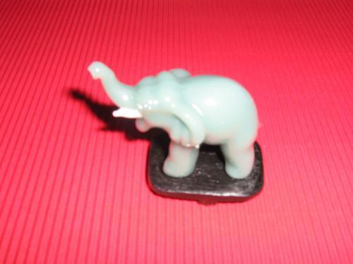 Skleněný slon S
