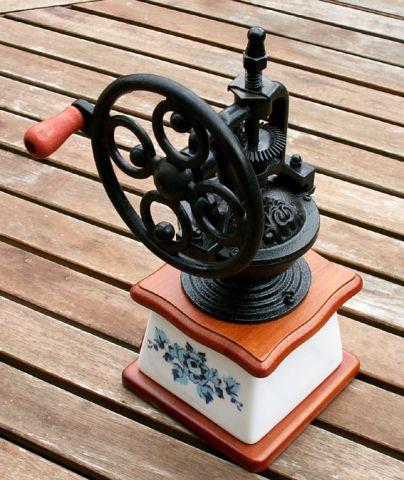 Mlýnek na kávu Kolo keramický