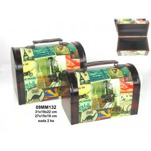 Sada dřevěných kufrů- truhlí World