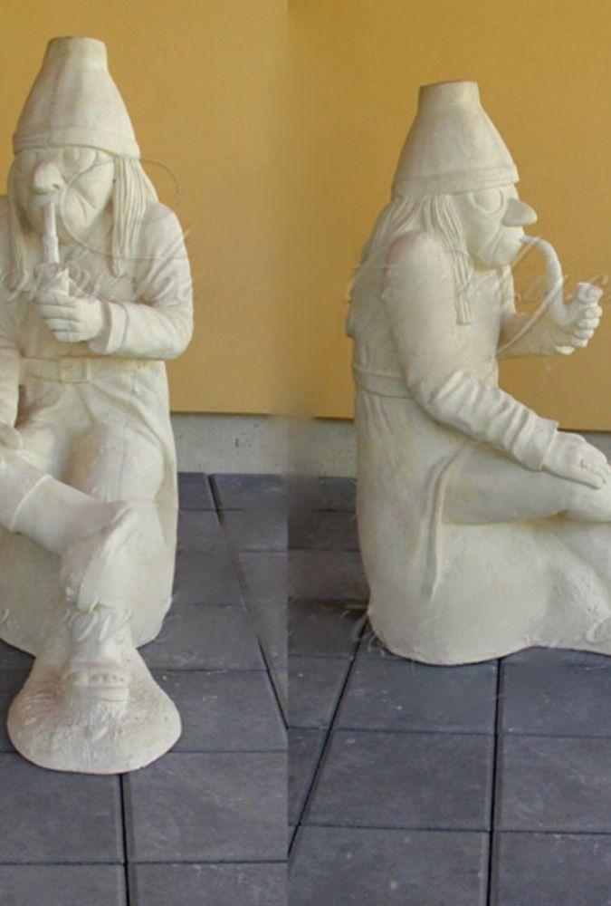 Socha Vodník s fajkou velký bílý
