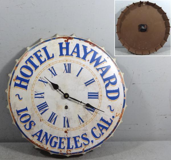 Kovové hodiny na zeď Hotel Hayward Los Angeles