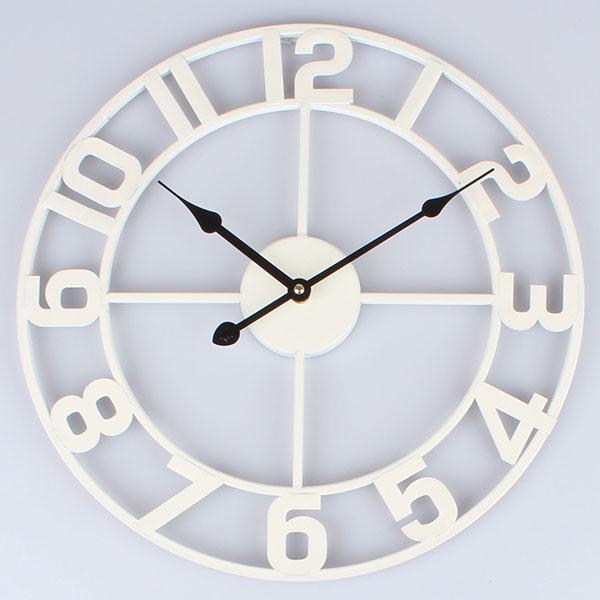 Kovové hodiny na zeď Čísla bílé