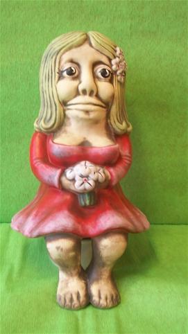 Keramická Vodníkova žena - Vodnice k jezírku sedící barevná